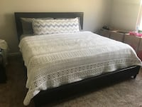 King bed frame- Excellent condition!!!! Upper Marlboro, 20772