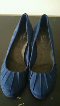 pair of blue suede flats Reno, 89502