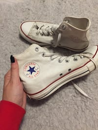 par hvite Converse All Star high-top sneakers 6207 km