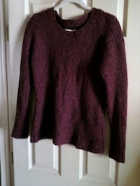 Ladies Sweater Size L Very Warm Newburgh, 12550
