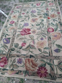 5ft by 8ft area rug Weslaco, 78596