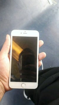 Or iPhone 6 avec étui Melun, 77000