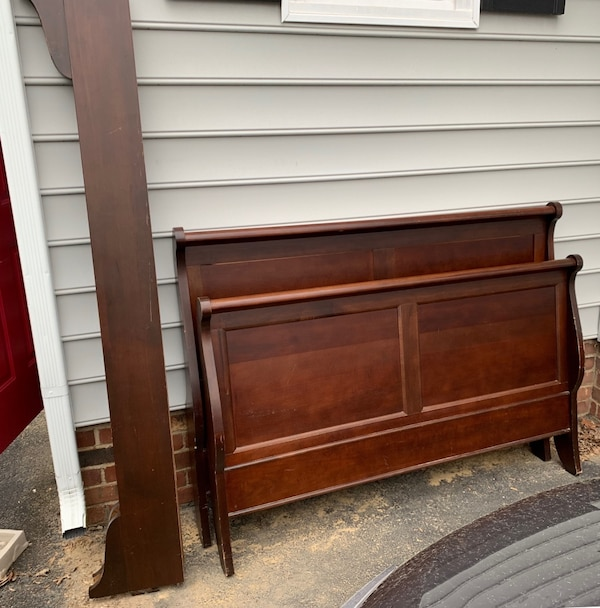 Used queen sleigh bed for sale in midlothian letgo - Used queen bedroom sets for sale ...