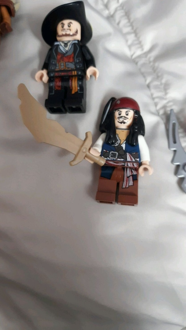 Lego pirates of the Caribbean minifigs  830c1275-be2c-4312-b4c8-6fd2f4fe5eca