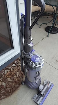 Dyson  - Almost NEW