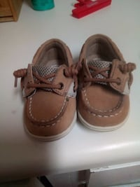 pair of brown leather boat shoes 542 mi