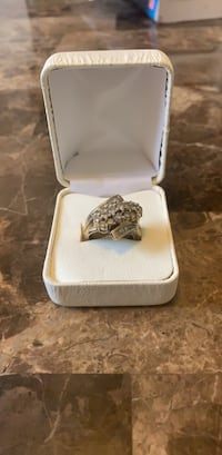2 Carat Genuine Cluster Diamond Seated in 10kt Gold Dearborn Heights, 48127