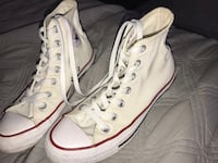 white high top top converse, size 6, 8/10 condition  Burnaby, V3J 1M8