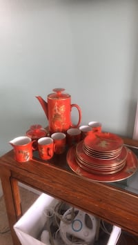 red and white ceramic dinnerware set Okotoks, T1S 1E2
