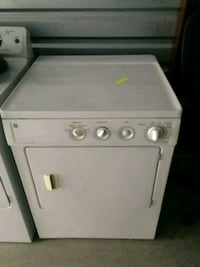 white front-load clothes washer Henrico, 23294