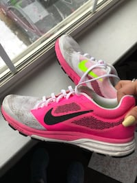 pink-and-white Nike running shoes Woodbridge, 22192