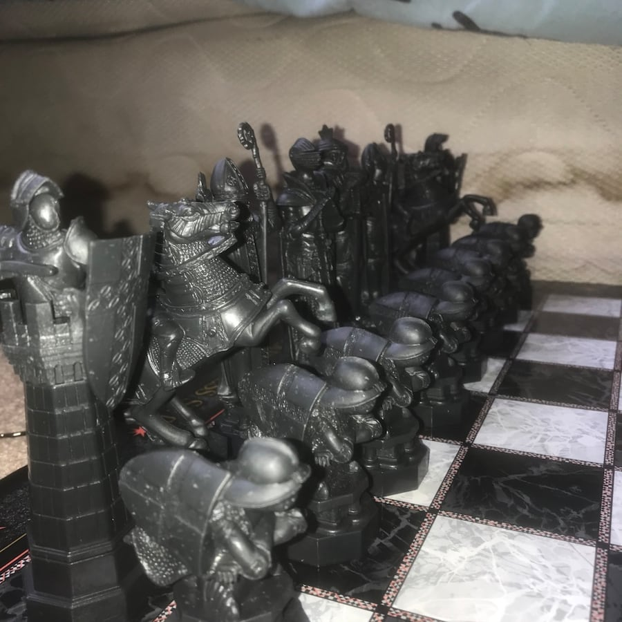 Harry Potter Wizard Chess Set aa527122-abfa-4318-bfa6-5fabd024afc9