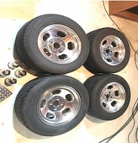 4 lug tire set w/ new lock nuts Cottage City, 20722