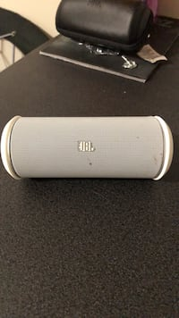 white and gray Bose portable speaker Des Moines, 50322