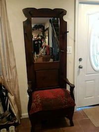 Antique Entry Chair Woodbridge, 22193
