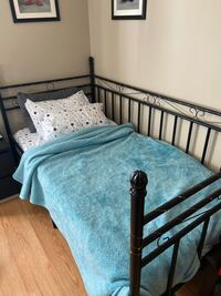 Twin bed/ daybed Edmonton, T5T 3C3