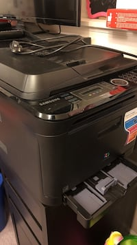 Samsung small laser printer. Only needs a new drum Laval, H7L 4V5
