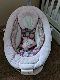 baby's white and pink bouncer Colorado Springs, 80918