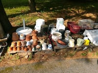 assorted pots & planters/ negotiable Westminster, 21157