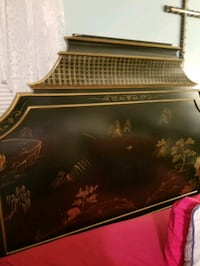 ORIENTAL BED WITH GOLD ORIENTAL ETCHED HEADBOARD & FOOTBOARD...PIER 1 Shelton, 06484