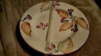 4 dinner size plates Indian Head, 20640