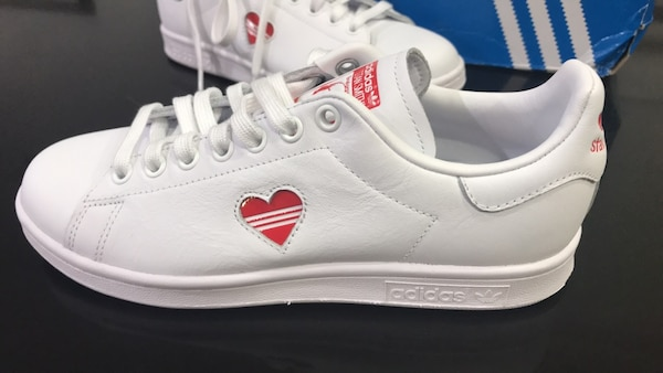 los angeles 5a71b 3536d Adidas Stan Smith Valentine Limited Edition (Women's 8.5 / Men's 7)