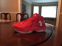 Stephen curry basketball shoes North Vancouver, V7G 2P4