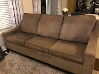 Sofa for Sale Brampton, L6P 3X2