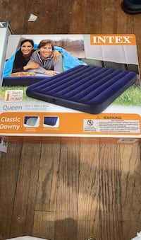Queen size blow up bed District Heights, 20747