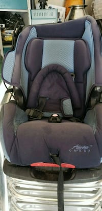 baby's black and gray car seat carrier Brampton, L6P 3J3