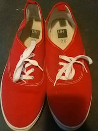 Red UH Flats Size 11 Like New Windsor, N9A 5J3