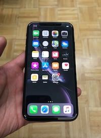 128GB iPhone XR perfectly fine working good condition unlocked