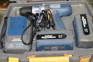 Mastercraft 1/2 impact drill + 2 batteries & charger
