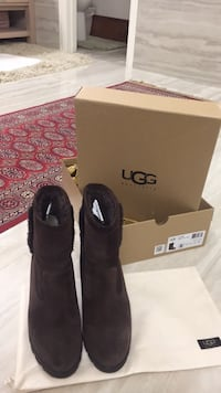 Brown ugg boots with box Frisco, 75035