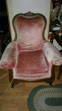 Antique Chair (Need gone ASAP) Martinsburg, 25405