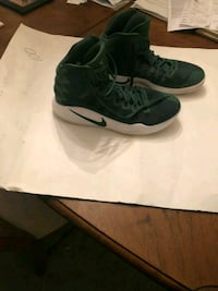 pair of green-and-white Nike basketball shoes Columbus, 31904