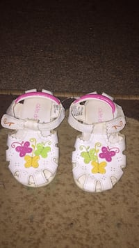 baby's two pairs of white and pink sandals Erie, 16503