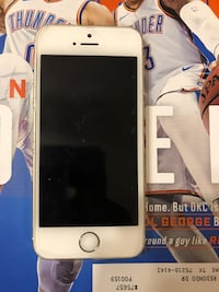 iPhone 5S Clean unlocked  Dallas, 75218