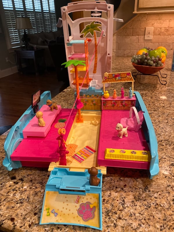 Barbie® Ultimate Puppy Mobile (Brand new never played with but once) dc439fbc-d3bf-4230-a6be-f228b30c6066