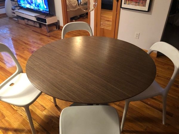Modern Practical Great Condition Round Kitchen Dining Table CB2 Odyssey 4 Chairs Optiinal