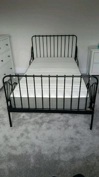 MINNEN Extendable bed frame with slatts