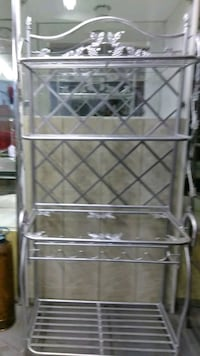 Bakers rack w/glass shelf (not in pic) Vernon, 06066