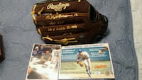 Roberto Alomar signed & authenticated  Toronto, M1L 2T3