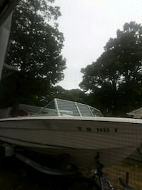 19 ft marquis 1975 Boat and trailer with clear titles
