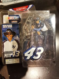 Richard Petty 43 mature collector limited edition pack