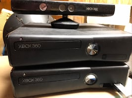 2 Xbox 360 with everything (wires, controllers, games)