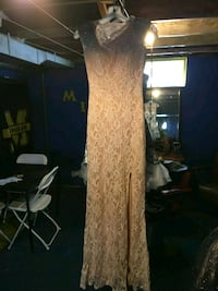 Peach lace A line dress with sweetheart top size 1 Flint, 48507