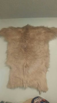Real mountain goat fur