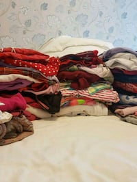 different clothes for a little girl 4-5 years 6648 km