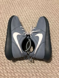 Nike Roshe Run Rubber shoes New Westminster, V3M 6X2
